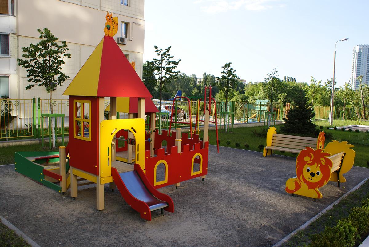 Дитячий садок, пісочне містечко